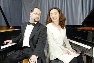 ピアノデュオで活躍中の金沢多美さん