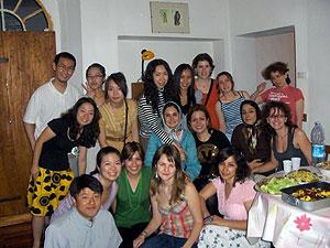 学校のクラスメイトと各国料理を持ち寄ってのパーティで