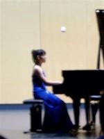 正田彩音さん/ピアノ